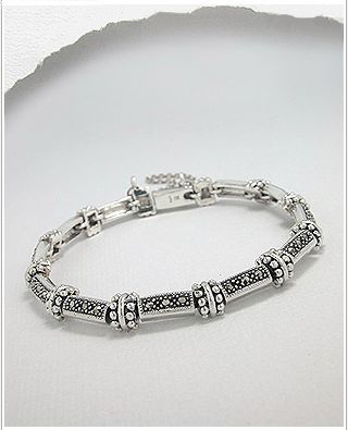 <b>Fine silver and marcasite barcelet</b>