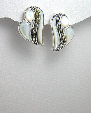 <b>Silver 925, shell and marcasite earrings</b>