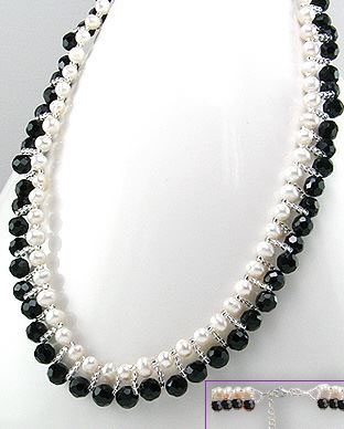 <b>Black agate, pearls and sterling silver necklace</b>