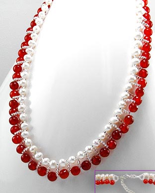 <b>Red agate, pearls and sterling silver necklace</b>