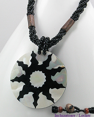 <b>Interesting necklace - shell, wood and resin</b>
