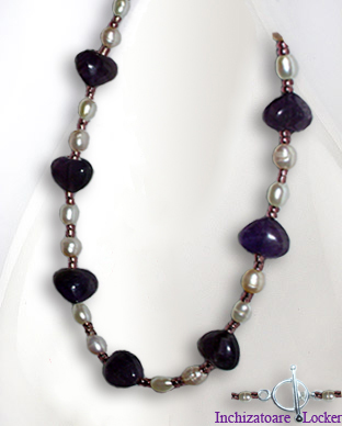 <b>Exclusive fancy amethyst and pearls necklace</b>