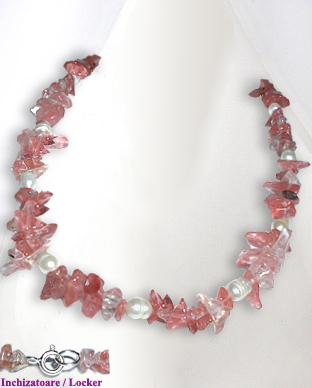 <b>Exclusive rose quartz and pearls necklace</b>