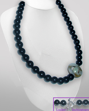 <b>Exclusive silver, onyx, pearl and mop necklace</b>