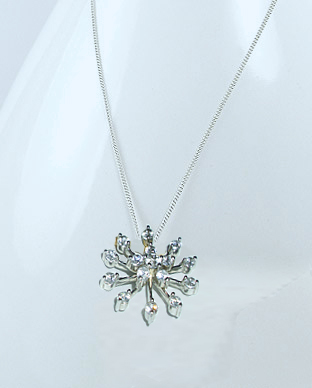 <b>Silver 925 and white zircon pendant - snowflake</b>