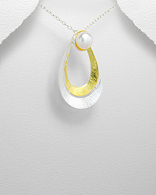 <b>14 k gold plated silver and fresh water pearl pendant</b>