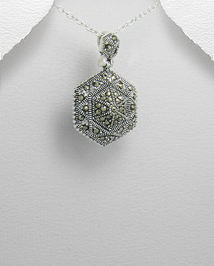 <b>Silver 925 and marcasite pendant</b>