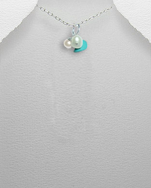 <b>Exclusive pearls, turquoise and silver pendant</b>