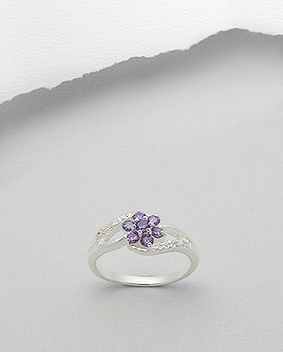 <b> Fine sterling silver and zircon ring</b>
