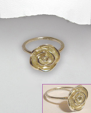 <b>Special silver ring - asymmetric flower</b>